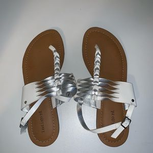 Indigo Rd. Sandals! never worn US 8.5